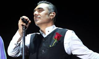Στα αλβανικά προσκαλεί ο Ν. Σφακιανάκης τον κόσμο για τη συναυλία του στα Τίρανα! ΒΙΝΤΕΟ