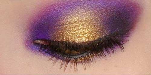 maquillaje de ojos en tonos violeta