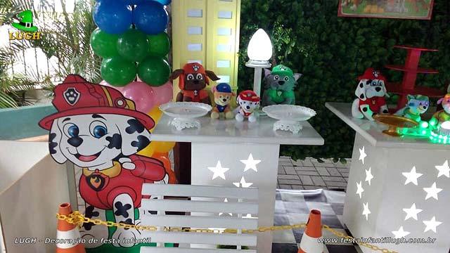 Mesa decorada provençal Patrulha Canina - Festa de aniversário infantil