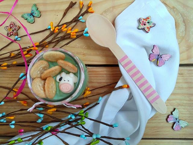 Tarta de queso y nubes sin horno. Marshmallow cheesecake. Postre en Monsieur Cuisine. Cuca. Receta fácil, rápida, rica, sencilla