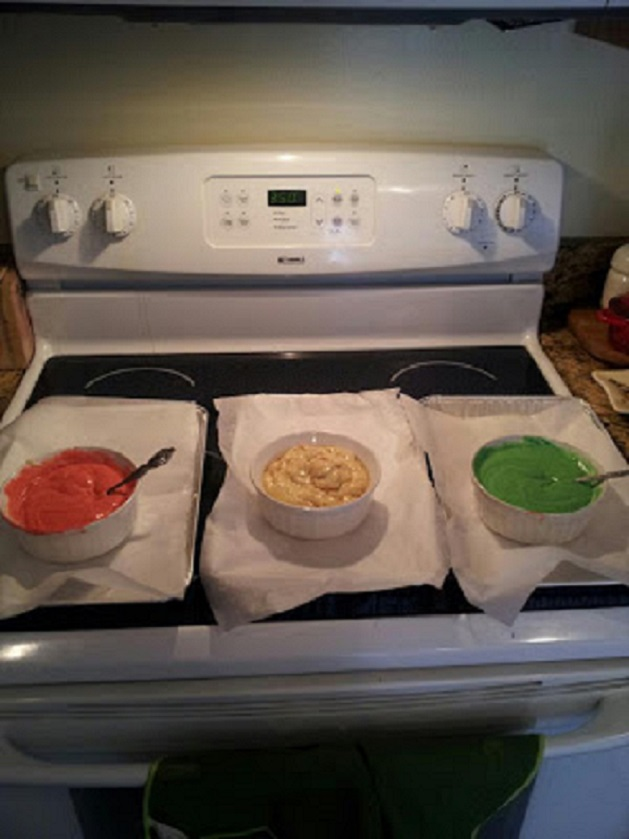 this is the this is a triple colored cookie that looks like the rainbow in pin, green and white batter