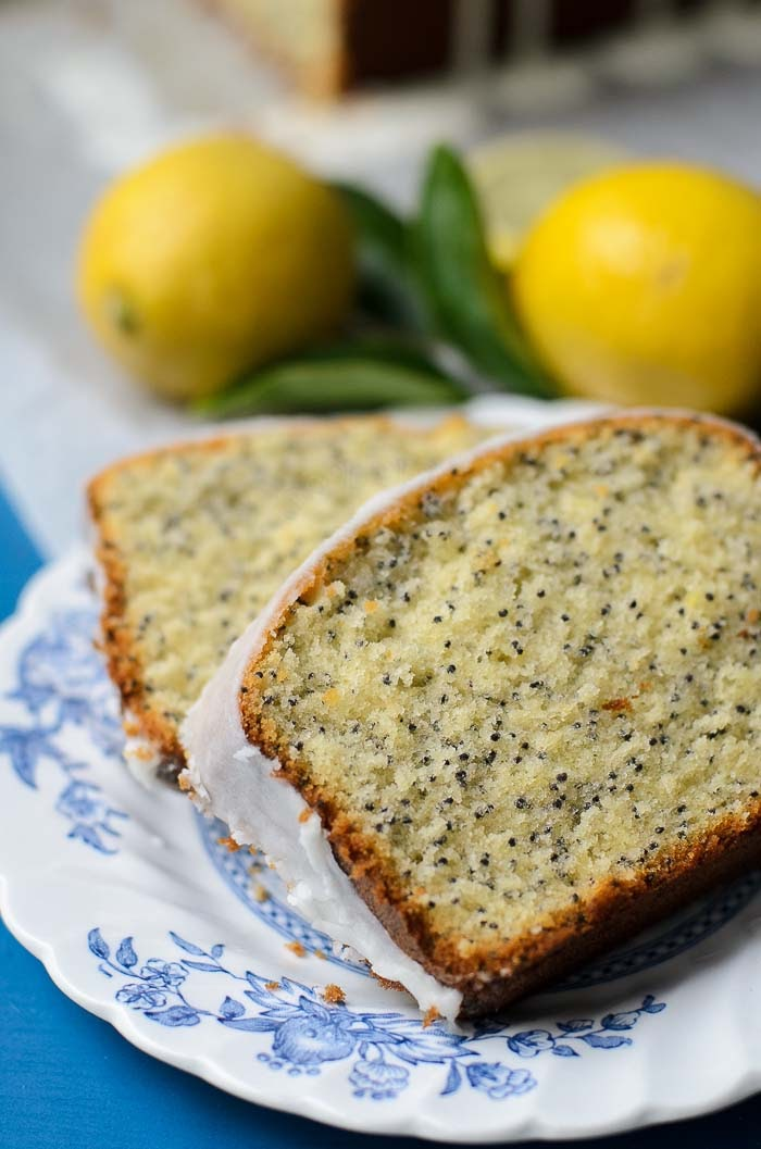 A classic sweet and zesty Lemon poppyseed cake