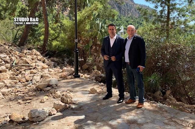 Αυτοψία του καθηγητή Γεωλογίας Ευθύμιου Λέκκα στο Γύρο της Αρβανιτιάς στο Ναύπλιο
