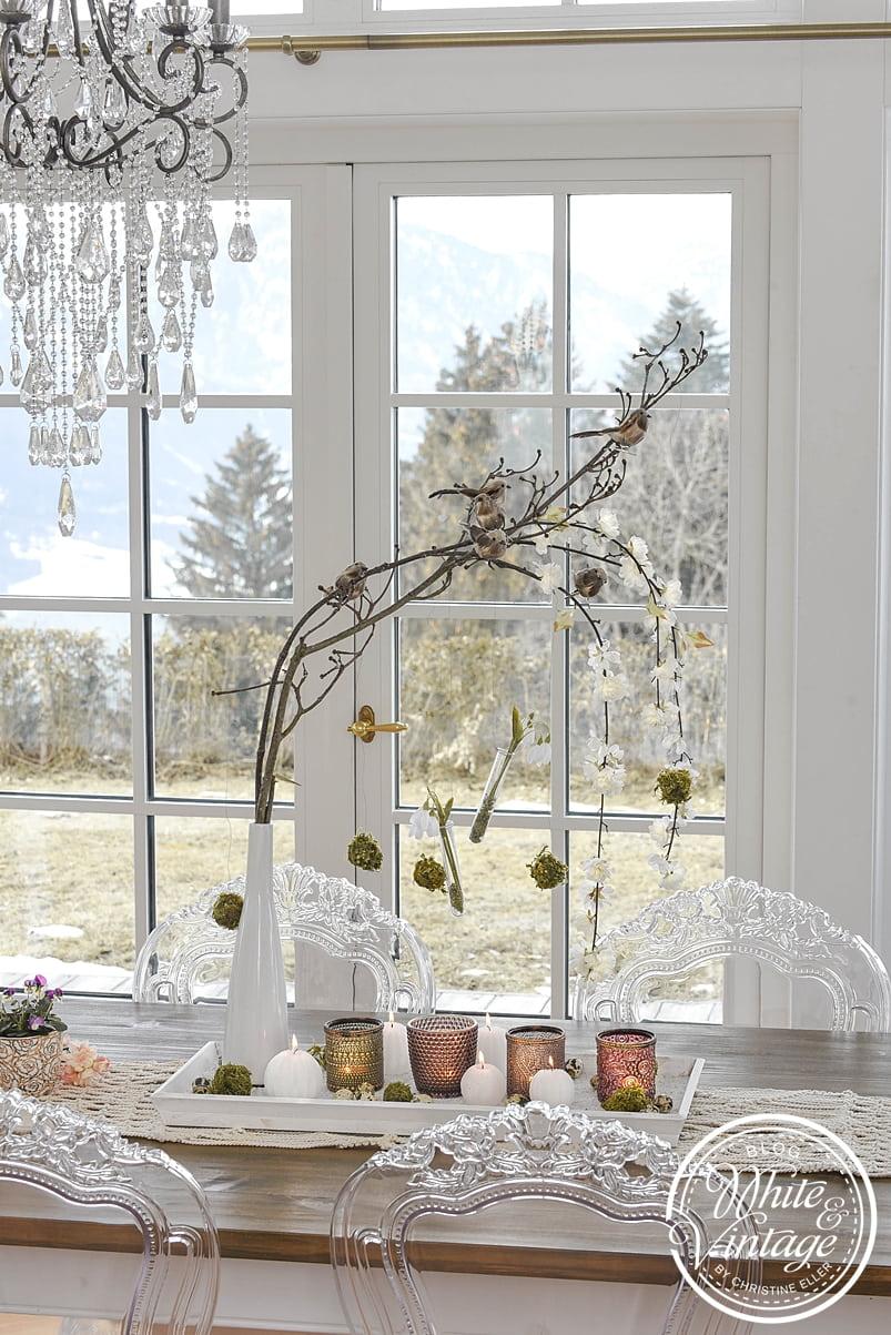 Tischdeko für den Frühling mit Zweigen