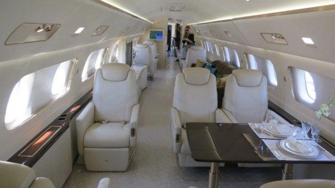 Ilustrasi interior Embraer 190 Lineage 1000. (Wikimedia/Creative Commons)