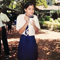 Pooja Hegde teenage photo in school days