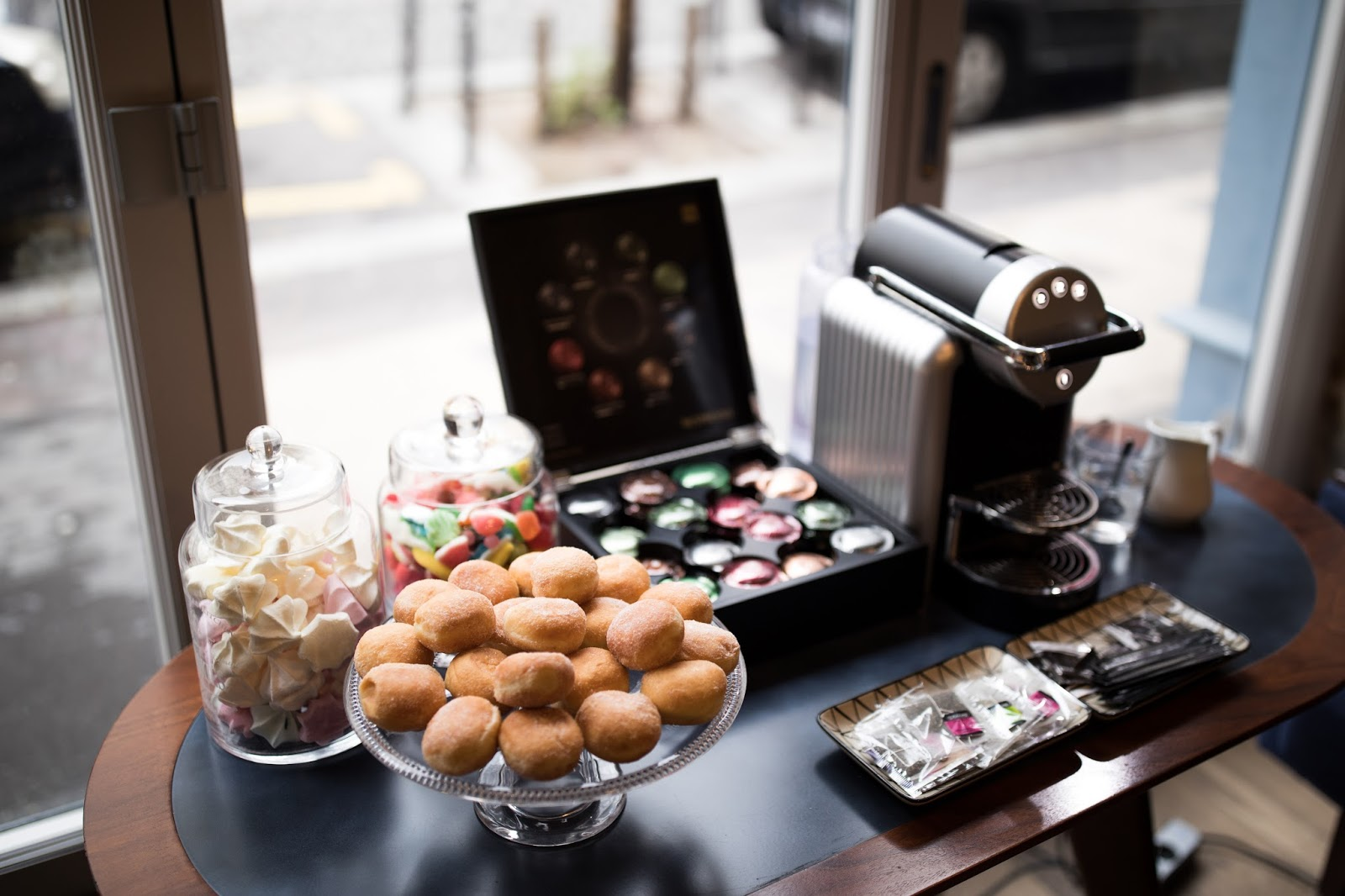 hotel basss by happyculture paris lobby sweets