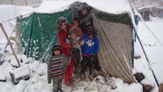 anak suriah di tenda pada musim dingin