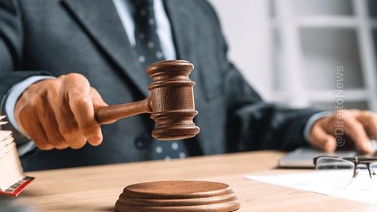 juiz nega beneficio crianca deficiencia acomodacao