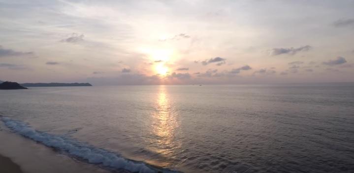 Playa san Pancho al Atardecer