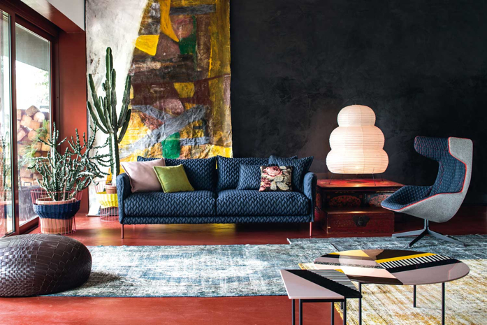 Beautiful living room of Patrizia Moroso with quilted furniture