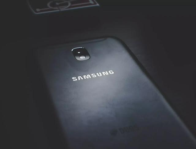 تطبيق للتحذير عند استخدام كاميرا الهاتف أو الميكروفون للاندرويد
