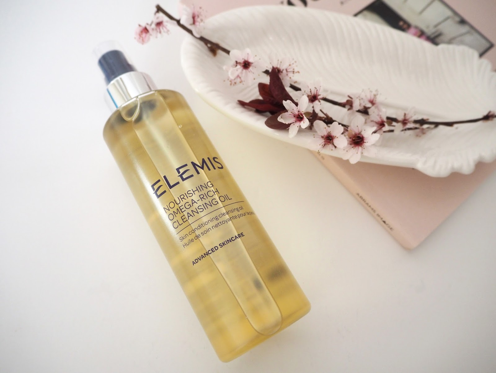 Loves List: March, Katie Kirk Loves, UK Blogger, Beauty Blogger, Lifestyle Blogger, Make Up Blogger, Skincare Blogger, Monthly Favourites, Beauty Review, Skincare Review, Elemis Omega Rich Cleansing Oil