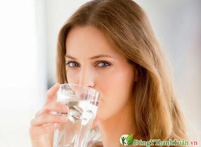 kinh nghiệm chữa bệnh viêm họng bằng nước lọc
