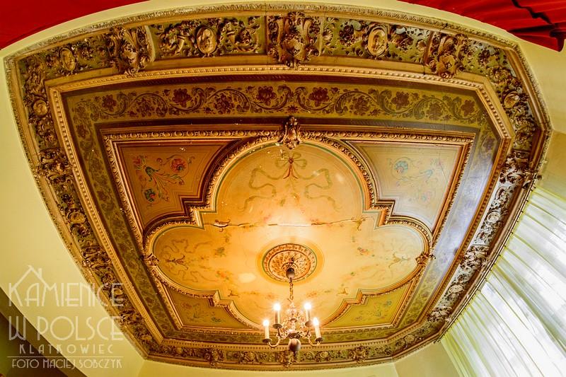 Ozorków: ukryta perełka - malowany sufit