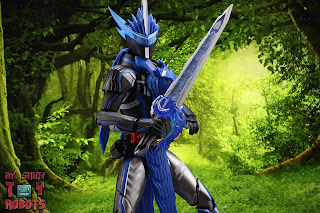 S.H. Figuarts Kamen Rider Blades Lion Senki 27