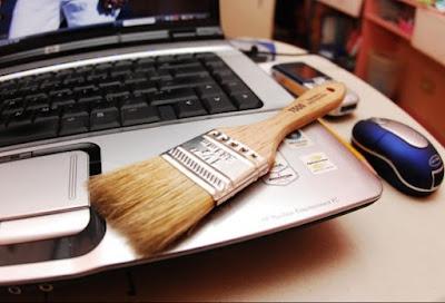 6 Cara Membersihkan Casing Laptop Yang Lengket Dengan Mudah, cara membersihkan laptop yang benar, cara membersihkan casing laptop yang benar, cara merawat laptop yang benar, cara memberishkan casing laptop dengan mudah
