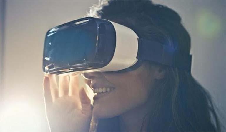 Menurut Studi, VR Bisa Mengobati Orang Yang Fobia Pada Ketinggian