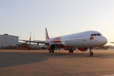 Việt Nam chưa có hãng hàng không nào cho phép hành khách gọi điện hay nhắn tin khi máy bay vừa hạ cánh với mục tiêu đặt an toàn lên hàng đầu