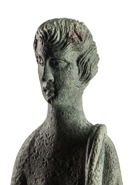 """""""Hinthial"""", Prima assoluta di un' eccezionale statua in bronzo. A San Gimignano la mostra di reperti rituali etruschi e romani"""