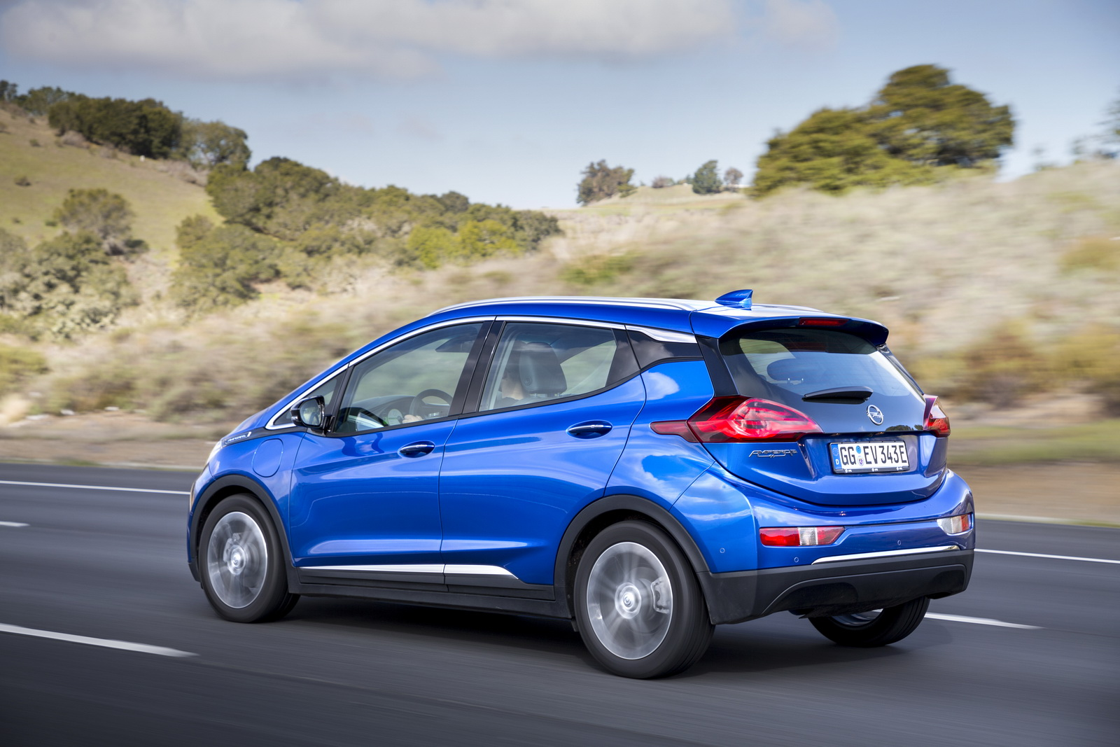 Opel Ampera E Detailed Ahead Of Launch Gets Official