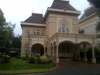 Sewa villa kota bunga puncak murah - Viktorian 3 kt
