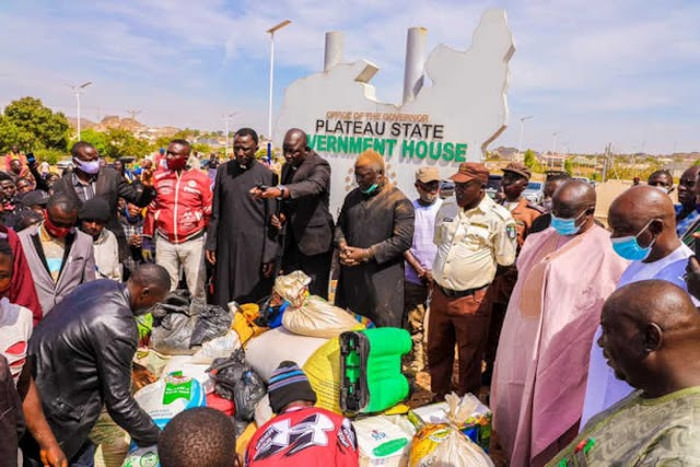 Palliatives looters return their loot in Plateau State, beg state govt. for forgiveness  (photos)
