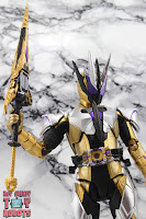 S.H. Figuarts Kamen Rider Thouser 30