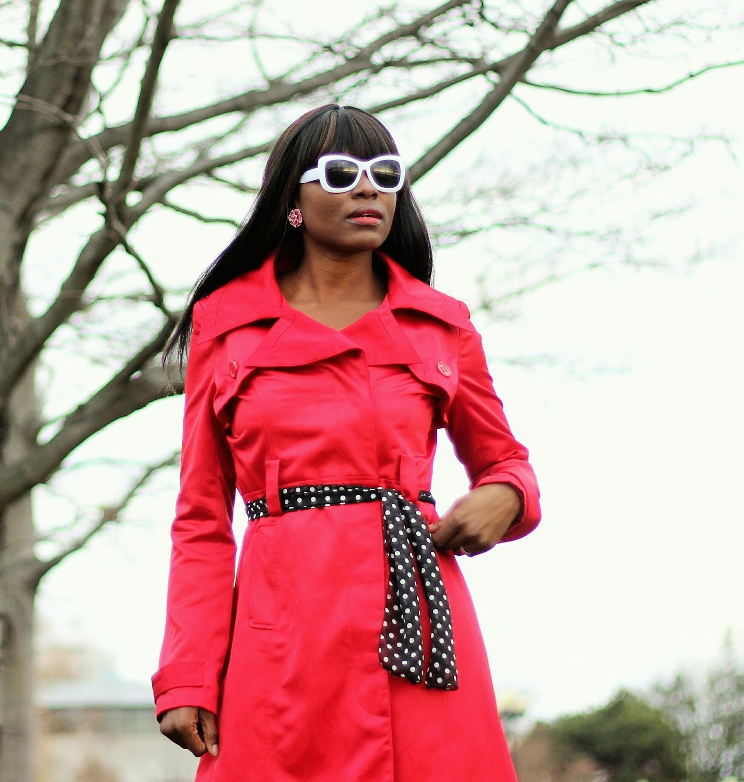 Wearing a belted coat using the Mia Beauty 3-in-1 Switch-a-Roo