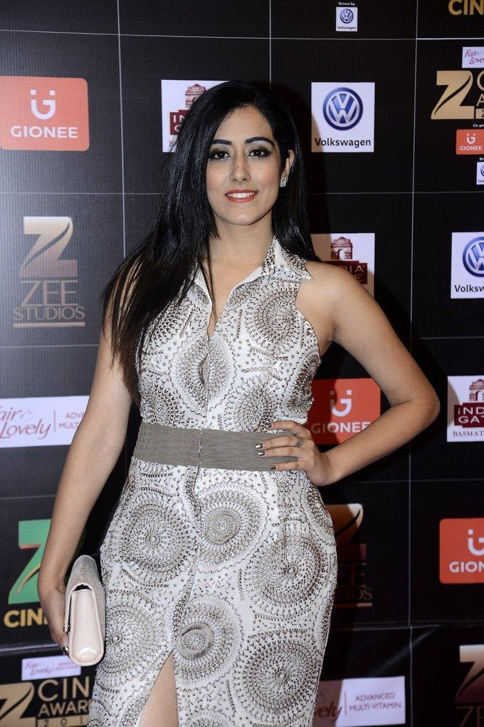 Model Jonita Gandhi Pics At Zee Cine Awards In White Dress