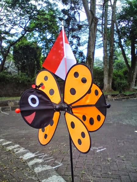 Mainan Beroda Dari Barang Bekas : mainan, beroda, barang, bekas, Kreasi:, Membuat, Mainan, Kincir, Lebah, Barang, Bekas