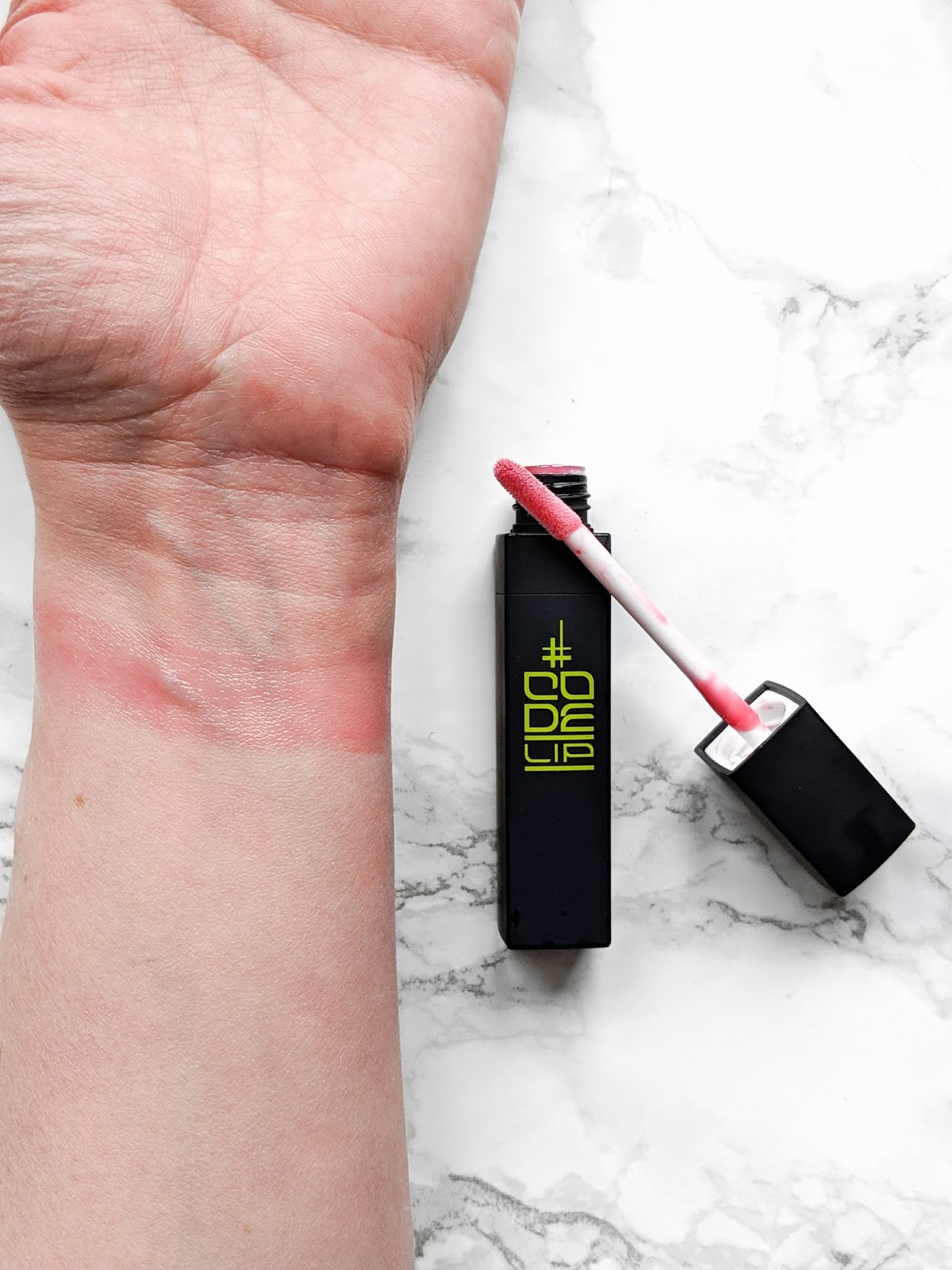 Code-lip-lip-intense-plumper-swatch