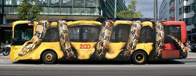 """حافلة للدعاية لحديقة كوبنهاقن """"The Copenhagen Zoo's """""""