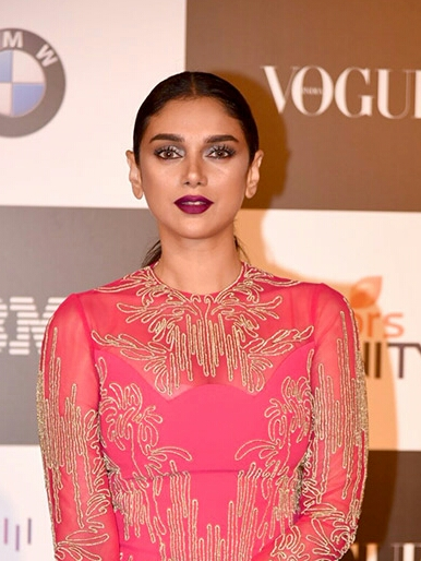 Aditi Rao Hydari Biography, Height, Weight, Age, Affairs, Wiki, Husband, Family & More