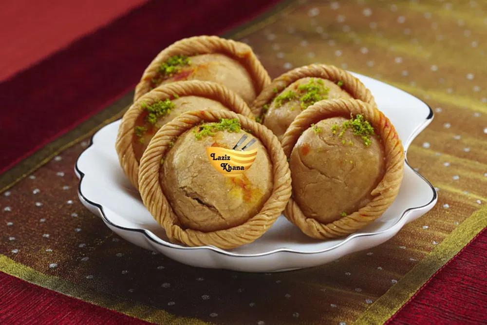 Chandrakala Sweet Recipe in Hindi
