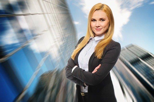 Budaya Patriarki: Salahkan Menjadi Wanita Karier?