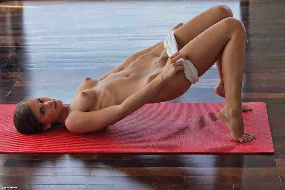 Flexible yoga girl loves anal sex