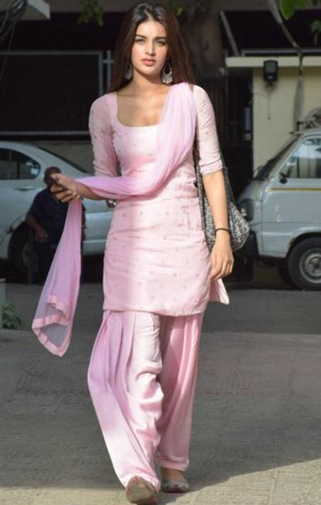 Nidhi agarwal Punjabi suit photo