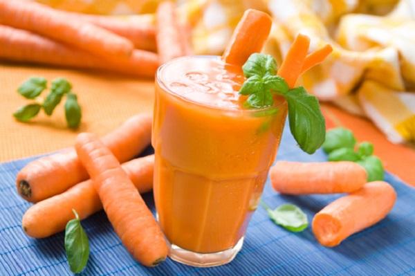 गाजर का रस और टमाटर से फेस को चमकाने के आयुर्वेदिक तरीके
