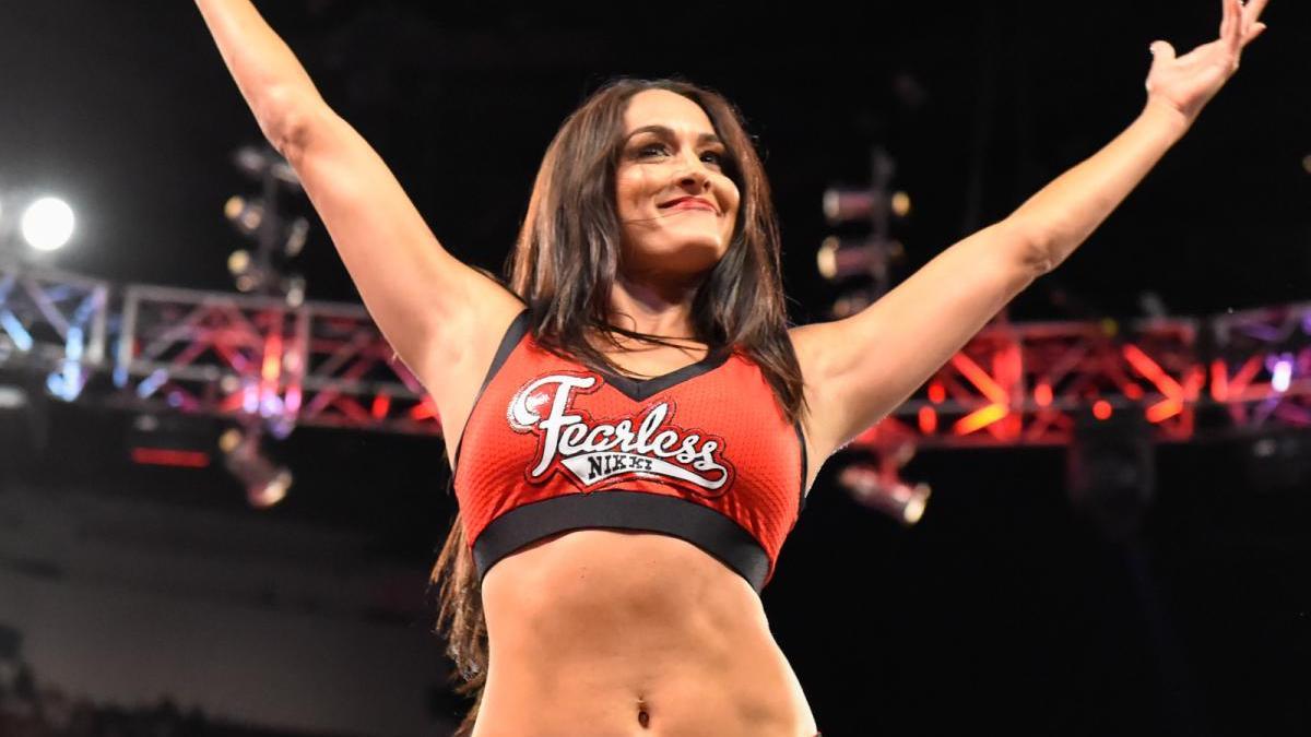 Nikki Bella comenta sobre um possível retorno aos ringues