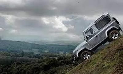 الطريقة الصحيحة لركن إيقاف السيارة في المنحدرات و التلال لسيارات الكير الأوتوماتيكي و العادي بدون التسبب بأضرار لعلبة السرعة و السيارة