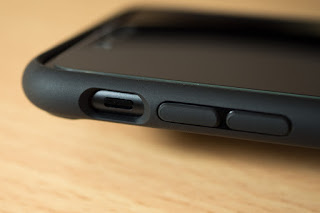 Spigen iPhone 7 Plusケースの音量ボタンとサイレントスイッチ