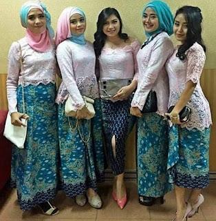 Foto Baju Muslim Kebaya Modern Kombinasi Brokat Untuk