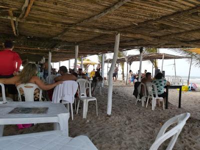Barracas de praia voltam a funcionar com limitação de clientes e distanciamento entre mesas — Foto: Arquivo Pessoal/Marcela Marreiros