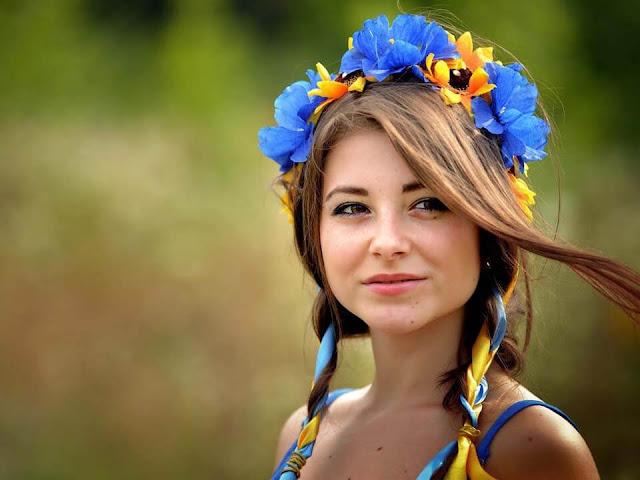 Mulher ucraniana bonita