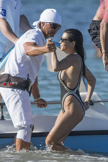 Kourtney Kardashian beach side Side Boobs and Ass Booty Exposed WOW July 2017