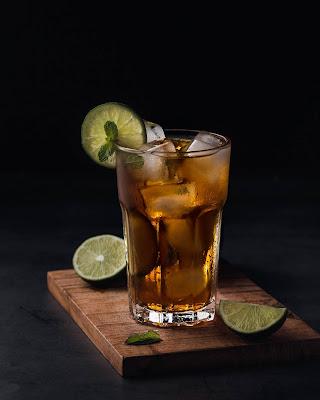 مشروب الشاى الاخضر باليمون وفوائده على التخسيس والتخلص من السموم