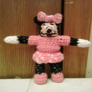 Crochet Minnie Mouse Hat Tutorial - YouTube | 320x320