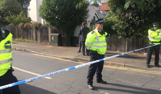 Police hunt for terror suspect after Tube bomb at Parsons Green