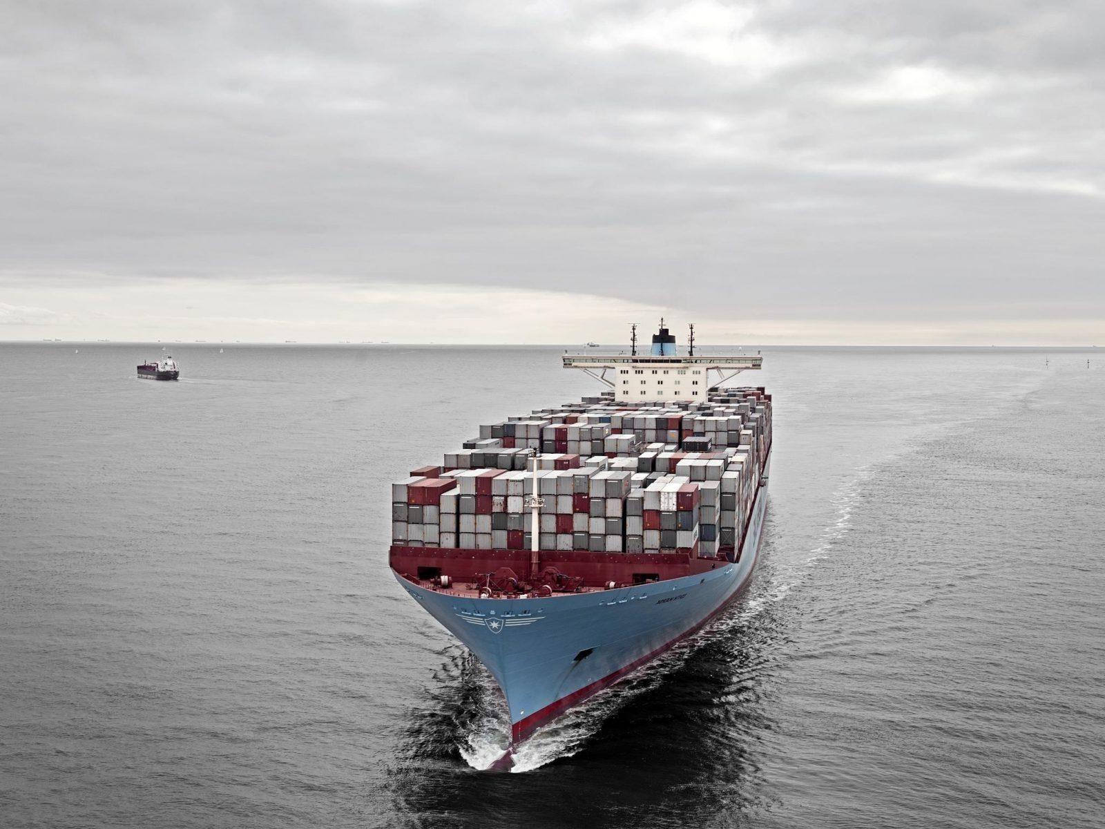 proibição de navios movidos a combustíveis fósseis